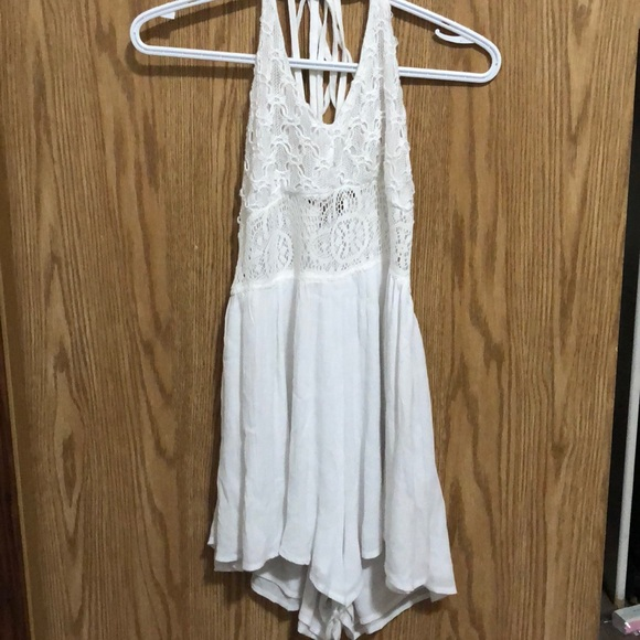 Streetwear Society Other - White Lace Romper